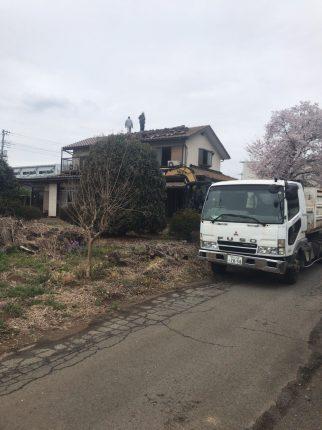 日高市森戸新田の解体工事を行いました。